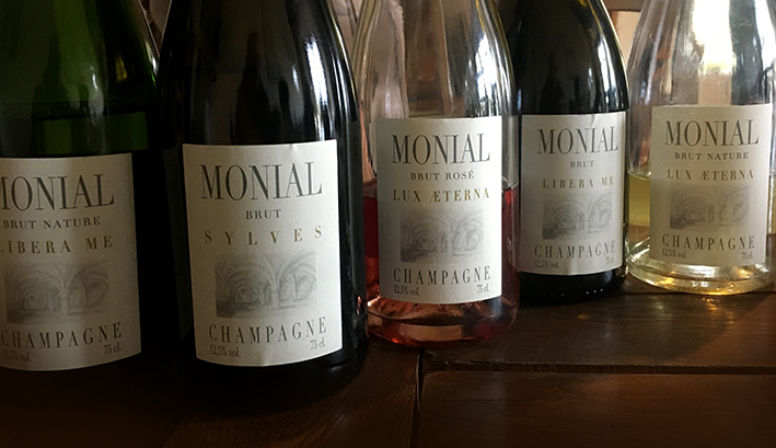 Champagne tasting Monial Colombe le Sec